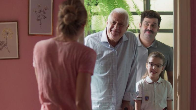 Paloma salva vida de Alberto em acidente na piscina em  'Bom Sucesso'