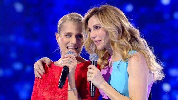Gran Tour fa flop, Heather Parisi deride la Cuccarini: 'Cercasi ascolti per sovraniste'