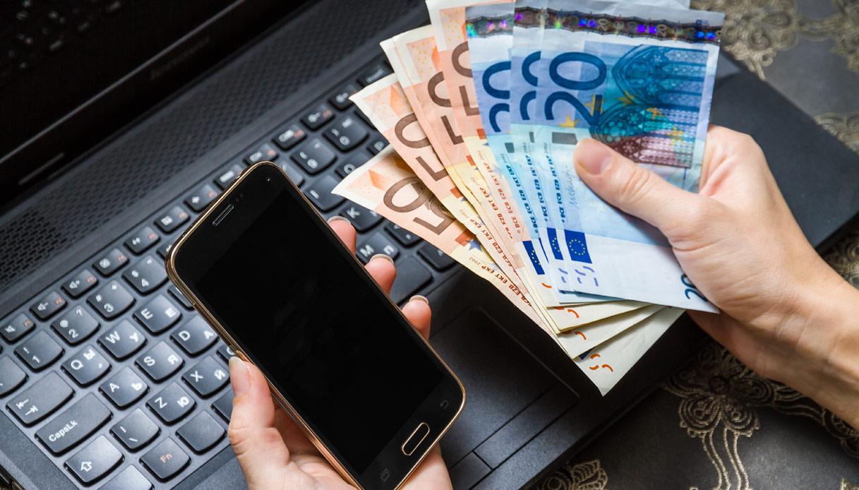 Bollette a 28 giorni, l'Agcom contro gli operatori: multa in arrivo