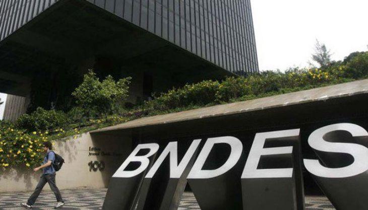 Huck e Doria fizeram empréstimo junto ao BNDES para compra de aeronaves