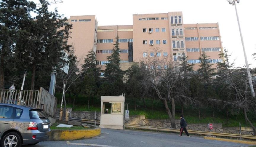 Tragedia in Calabria, infermiere si toglie la vita a pochi passi dall'ospedale