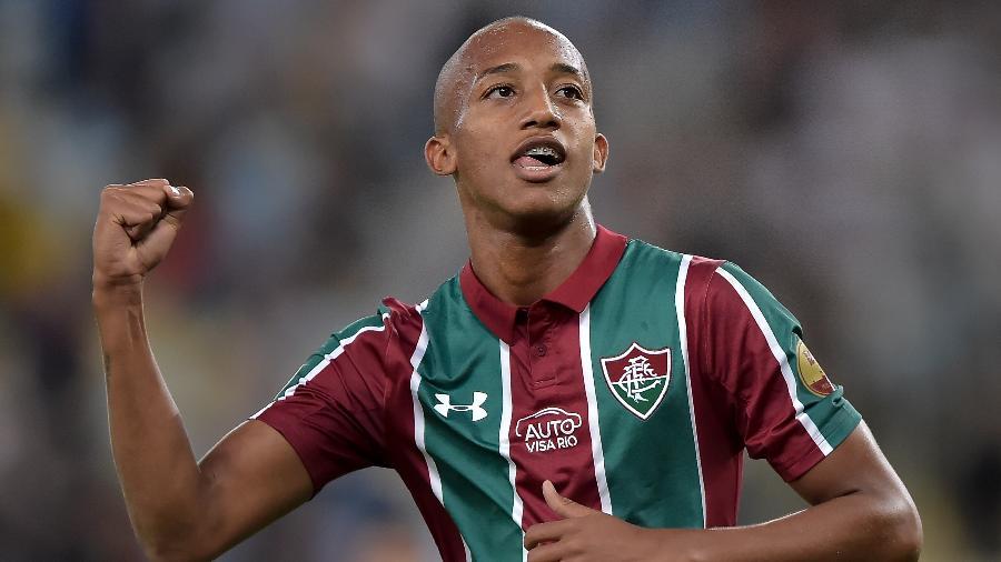 Fluminense busca vitória contra o Avaí para tentar sair do z4