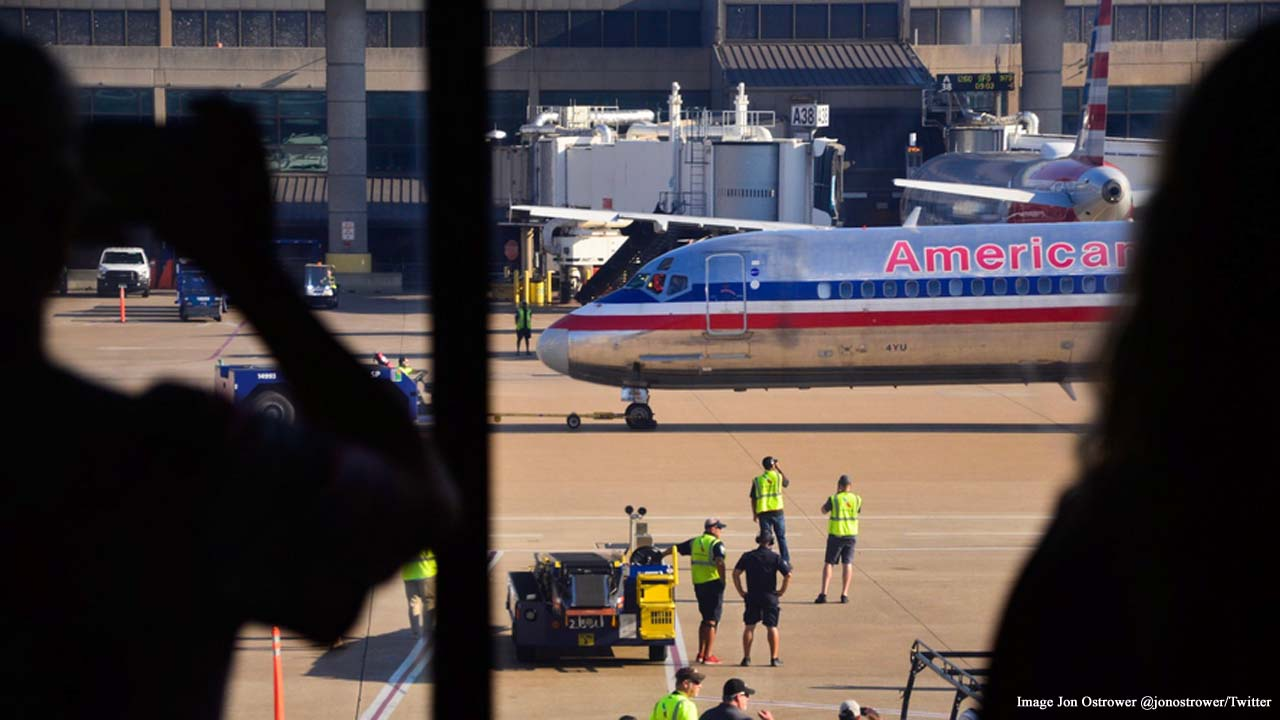 'Mad Dog' American Airlines bids farewell to its fleet of McDonnell Douglas MD-80