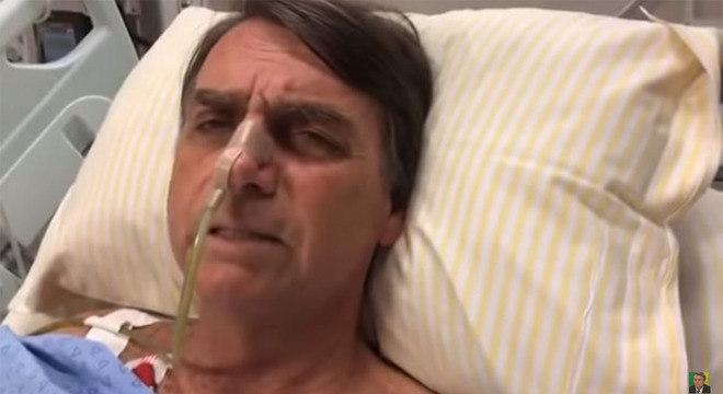 Bolsonaro chega a São Paulo, é internado e passará pela 4ª cirurgia