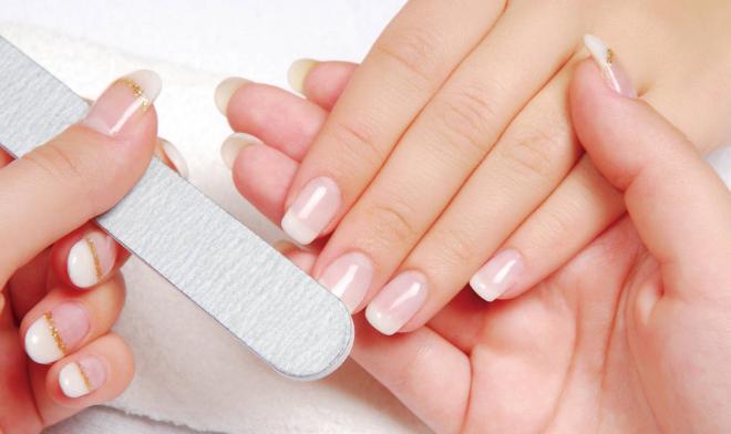 7 pasos a seguir para lograr tener unas manos preciosas con la manicura